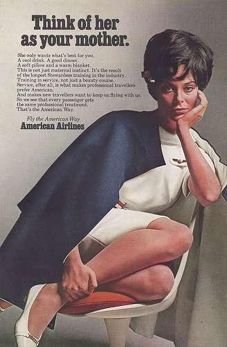 """La corporation se vend elle-même comme mère érotisée (1970). """"Pensez à elle comme à votre mère""""."""