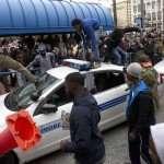En soutien à Baltimore! – [ou] – Éclater des voitures de police est une stratégie politique logique!