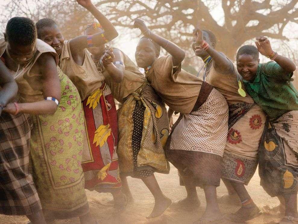 hadza-dance-tanzania_13187_990x742
