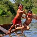 «La rivière, c'est la vie!», une photographe chez les Araweté, au Brésil (par David Hill / Alice Kohler)