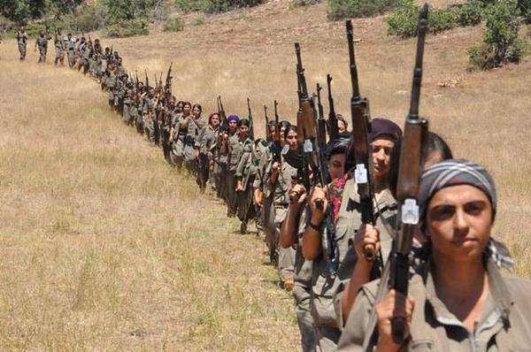 Les femmes dans la résistance kurde contre l'état islamique, à Kobane