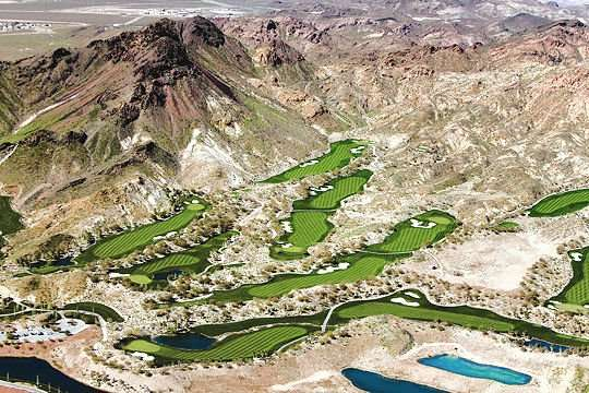 Une partie d'un golf de Las Vegas (5% de la consommation en eau de la région)